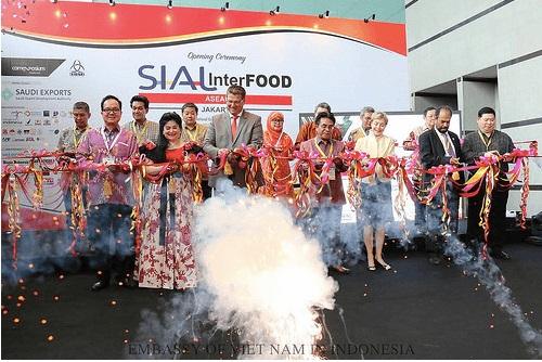 Quảng bá sản phẩm Việt Nam tại Hội chợ quốc tế Thực phẩm, Đồ uống và Công nghệ Indonesia 2015