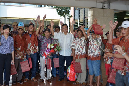 Vietnam Embassy in Indonesia practice 42 fishermen on family reunion