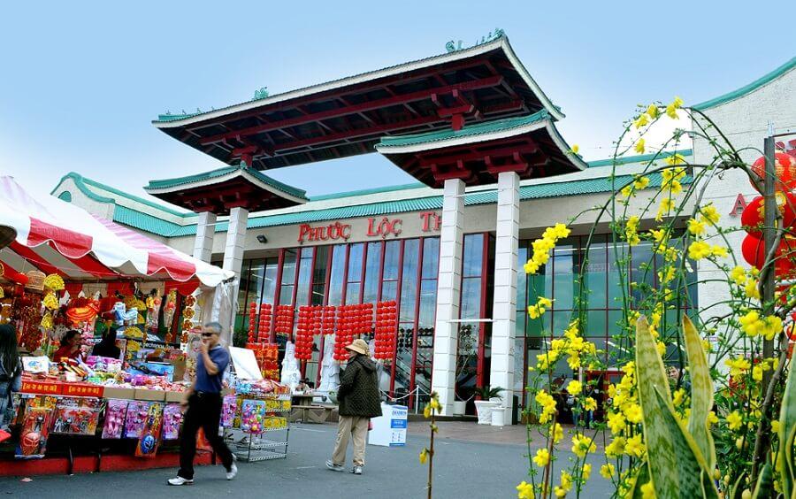 Thương xá Phúc Lộc Thọ - nơi kinh doanh của cộng đồng người Việt ở Mỹ
