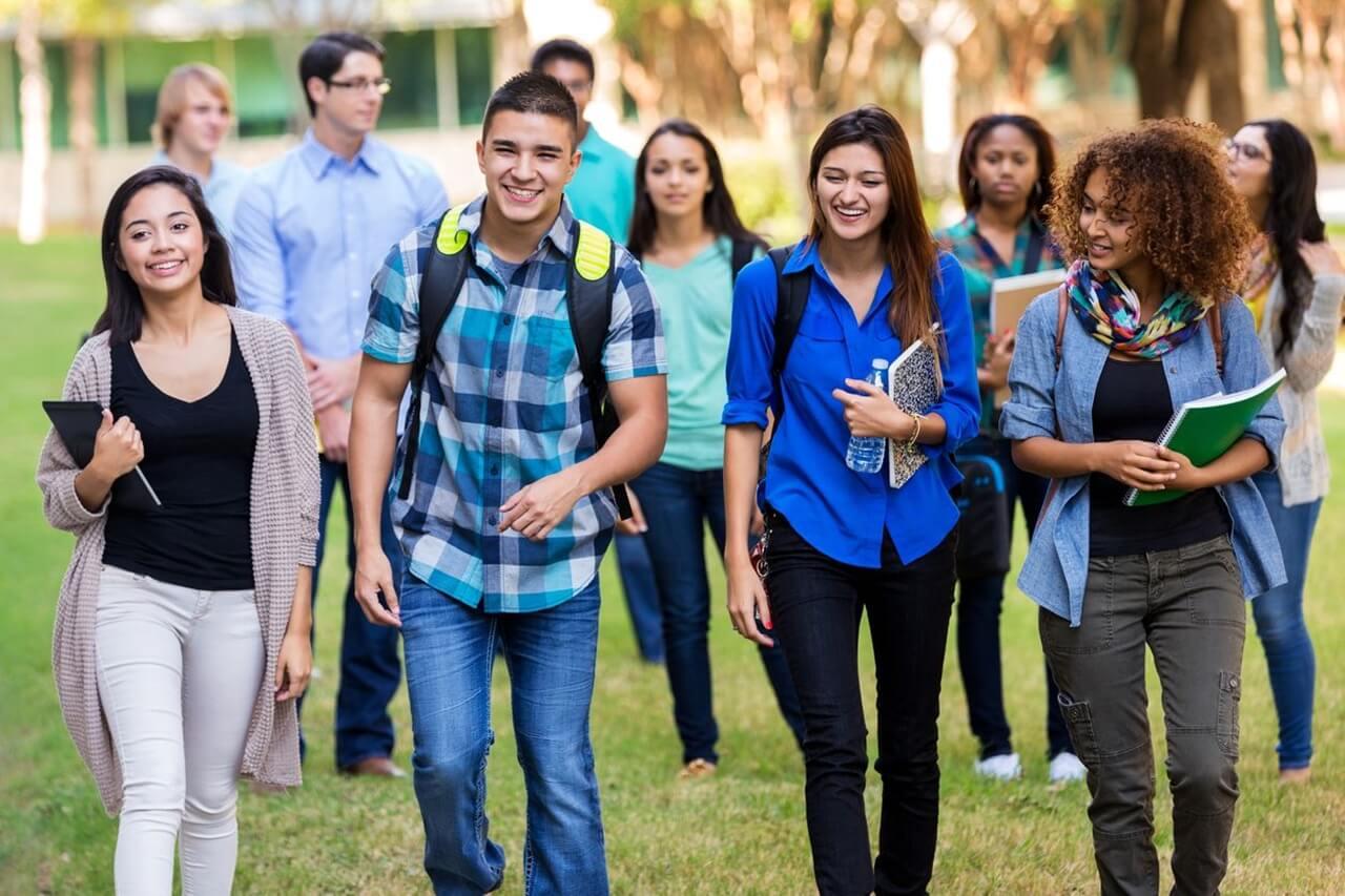 """6 Lý do """"thuyết phục"""" bạn chọn con đường du học trung học Mỹ"""